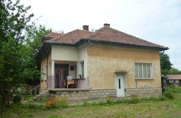 Bulgarije twee huizen te koop bordes
