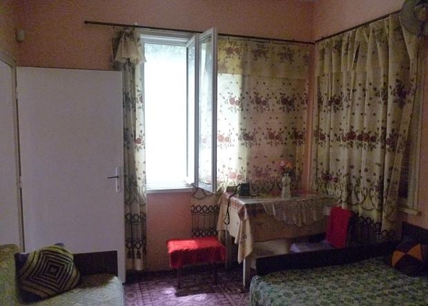 Bulgarije twee huizen te koop prints