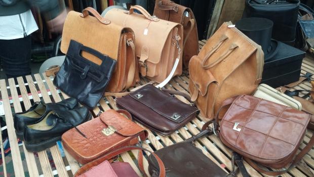 Dusseldorf rommelmarkt tassen