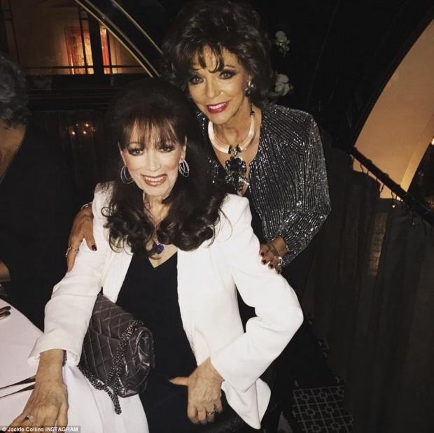 Joan Collins en Jackie nemen afscheid