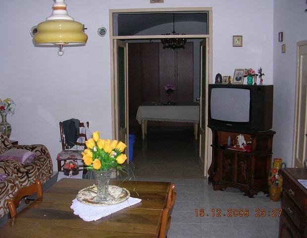 Italiaans huis te koop woonkamer Sicilië