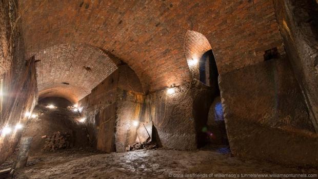 Liverpool tunnels opgraven onder de grond