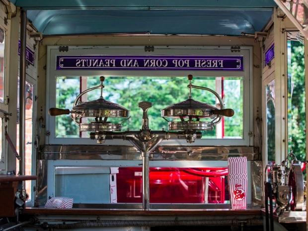 Popcorn bus ijsco oldtimers veiling