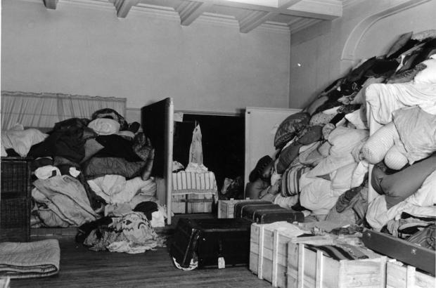 Warenhuis Parijs nazi's beddengoed