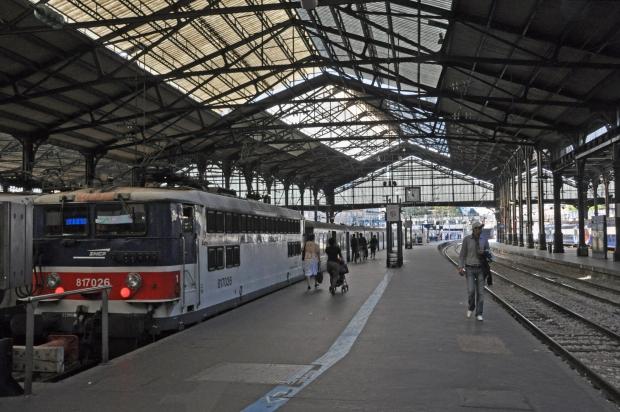 Claude Monet schilderij Parijs trein locatie Saint-Lazare