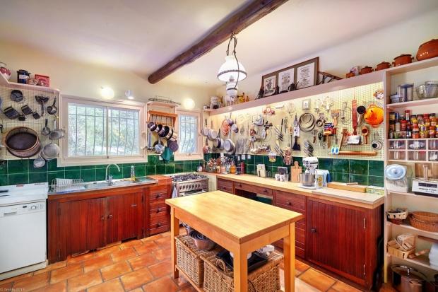 Julia Child huis te koop keuken Frankrijk go with the vlo