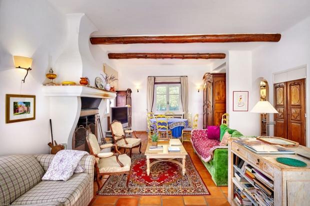 Julia Child huis te koop woonkamer