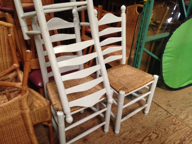 Kringloop Oosterwolde stoelen