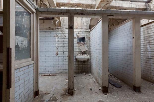 Ondergrondse wc Londen huis go with the vlo