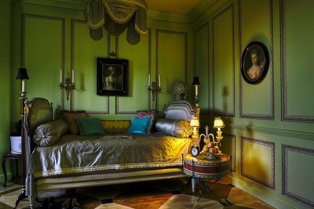 40 Winks hotel bed go with the vlo vintage antiek