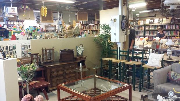 Kringloop Ede dierenbescherming meubels