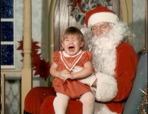 Enge kerstmannen griezelen horror huilend meisje go with the vlo