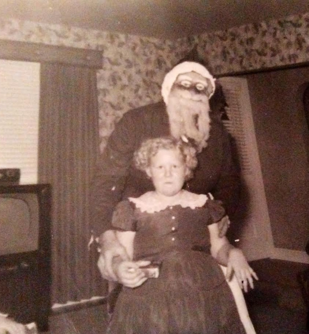 Enge kerstmannen horror griezelen meisje