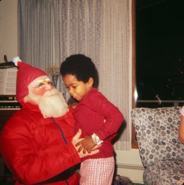 Enge kerstmannen jongetje