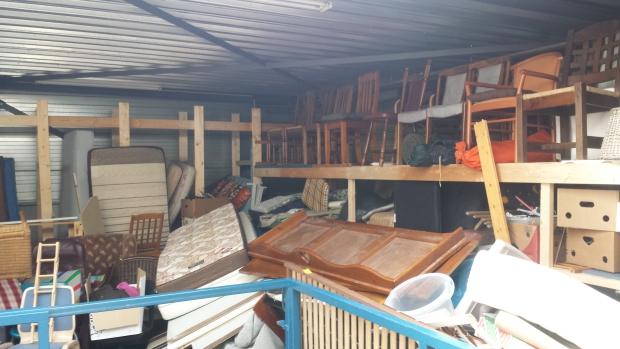 Kringloop Ede bovenverdieping meubels go with the vlo