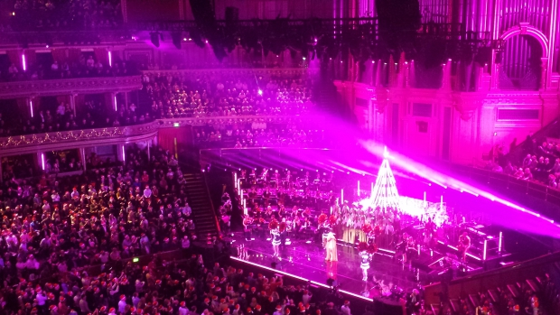 Kylie Christmas Royal Albert Hall gay roze