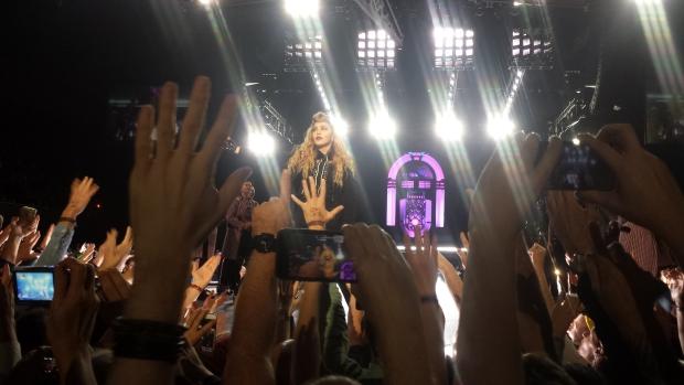 Madonna filmen podium smartphones Nederland