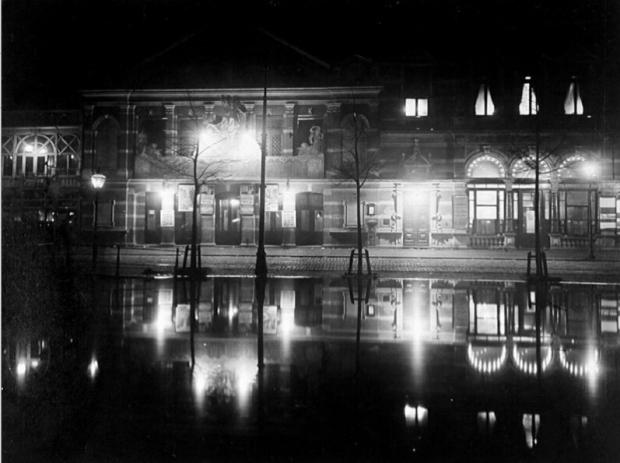 Schouwburg Tivoli aan de Coolsingel, bij avond. 1912 Henri Berssenbrugge GAR-2 go with the vlo