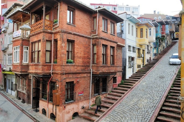Balat Istanbul opknappertje huizen go with the vlo