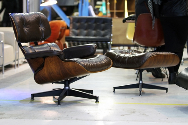 Design Icons Eames Lounge Chair go with the vlo