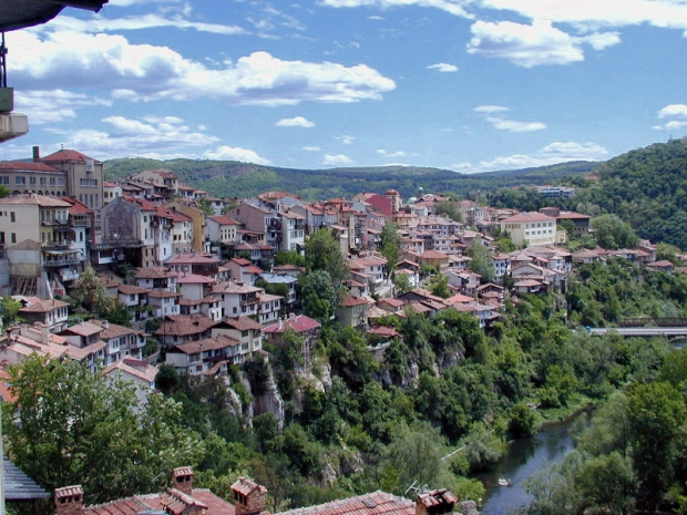 Opknappertje Bulgarije Veliko Tarnovo go with the vlo