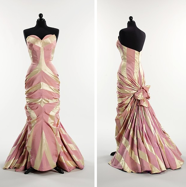 The Met Elsa Schiaparelli jurken go with the vlo 1948
