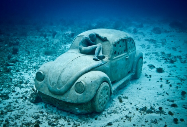 Onderwaterbeelden Kever Jason deCaires Taylor zeebodem go with the vlo