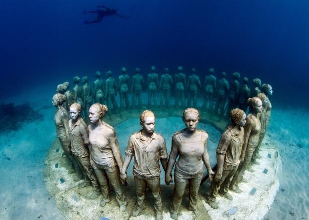 Onderwaterbeelden Vicissitudes Jason deCaires Taylor groep museum go with the vlo
