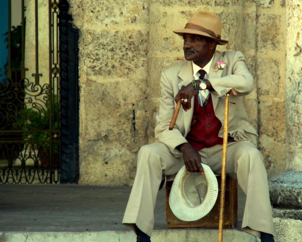Cuba man go with the vlo