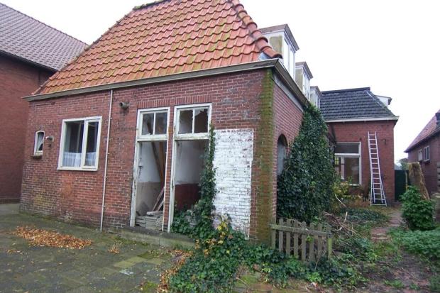 Nieuwe Pekela achterkant pastoriewoning go with the vlo