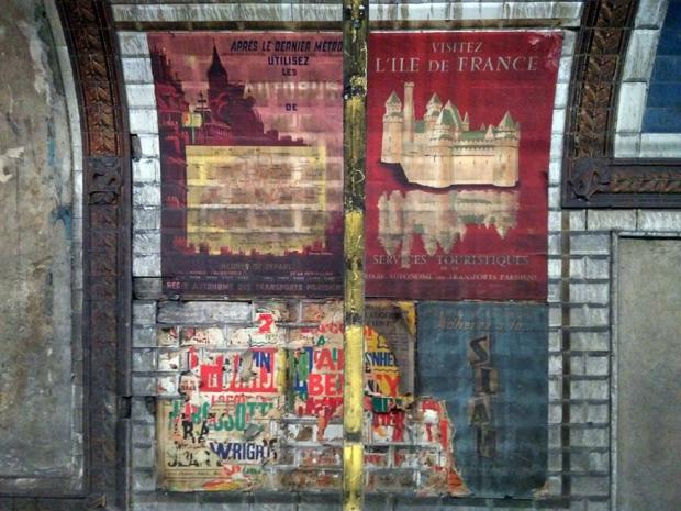 Genieten oude affiches ontdekt in de parijse metro go with the vlo
