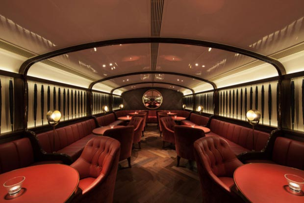 Speakeasy FoxGlove tafels loungebar Hongkong go with the vlo