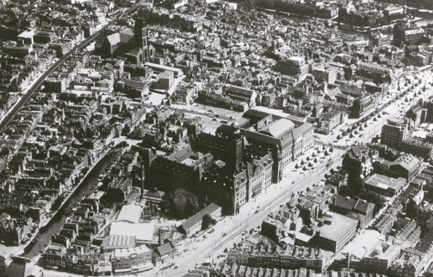 Rotterdam bombardement luchtfoto go with the vlo