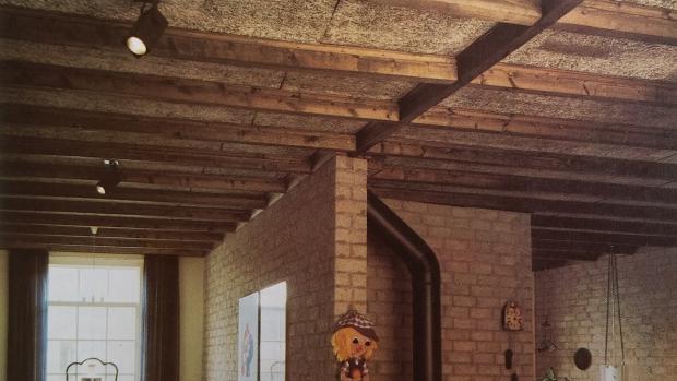 Eighties klussen balkenplafond go with the vlo