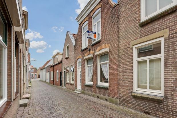 Opknappertje Sint-Maartensdijk straat go with the vlo