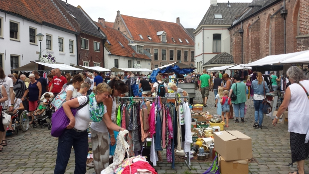 Hattem rommelmarkt plein go with the vlo 3