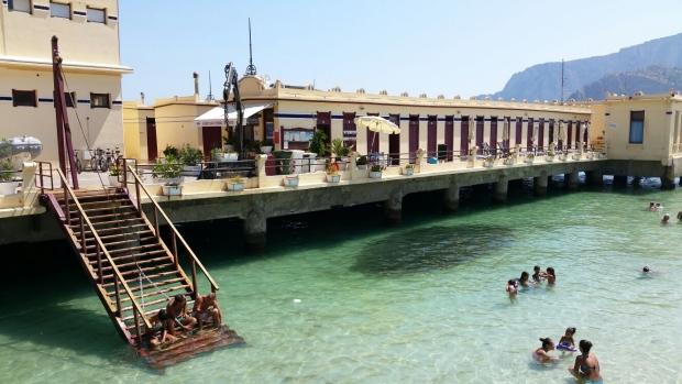 Mondello pier trap Sicilie go with the vlo