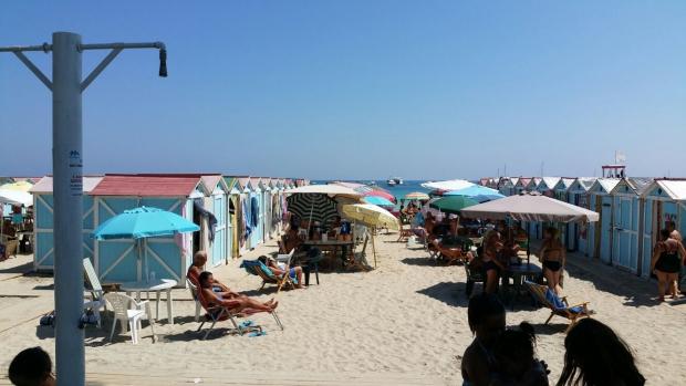 Mondello strandhuisjes Sicilie go with the vlo 2