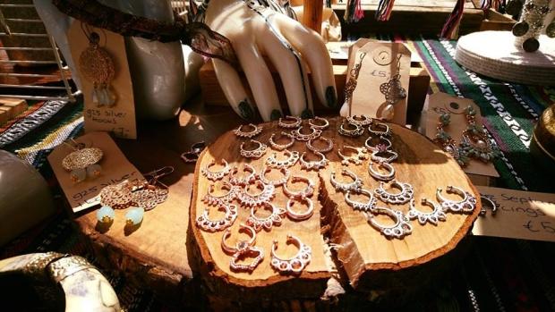 Summer of Love Market sieraden go with the vlo