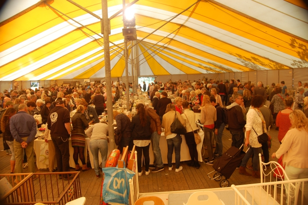 mill-hill-college-vlooienmarkt-tent-go-with-the-vlo