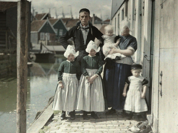 Familie Kes Volendam 1923 go with the vlo