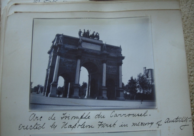 arc-de-triomphe-parijs-go-with-the-vlo