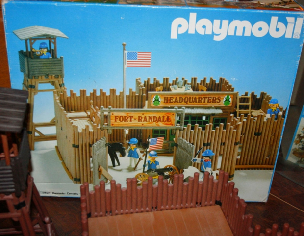 playmobil-fort-vintage-go-with-the-vlo