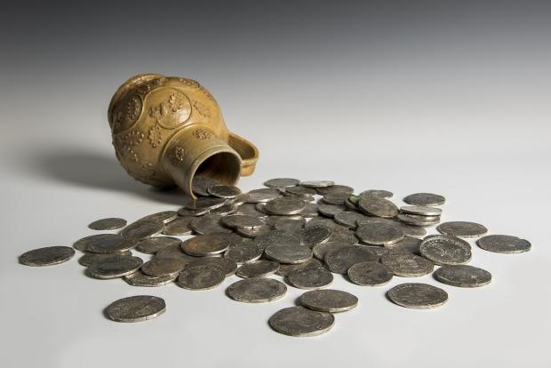 zilveren-munten-schat-kruik-go-with-the-vlo