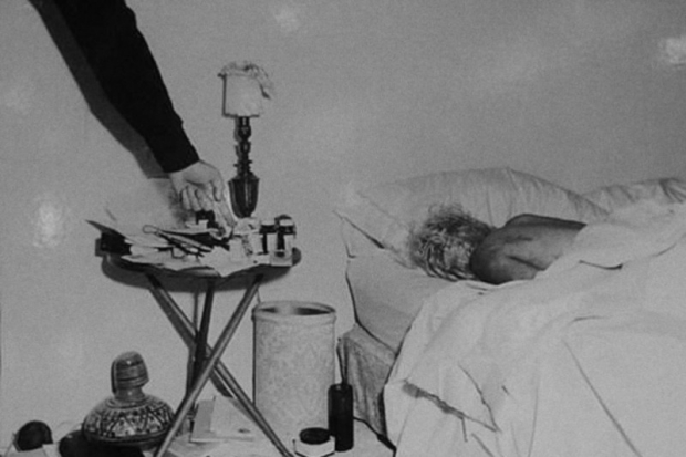 marilyn-monroe-dood-1962-bed-go-with-the-vlo