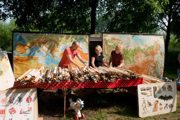 le-bric-a-brac-landkaarten-rommelmarkt-go-with-the-vlo