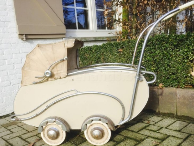 van-delft-antieke-kinderwagen-go-with-the-vlo