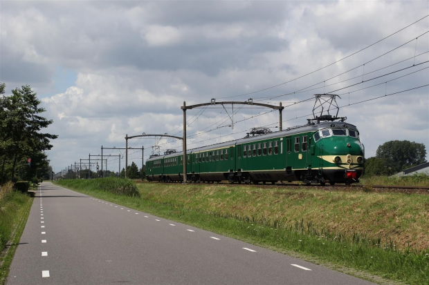 stichting-hondekop-mat-54-trein-go-with-the-vlo