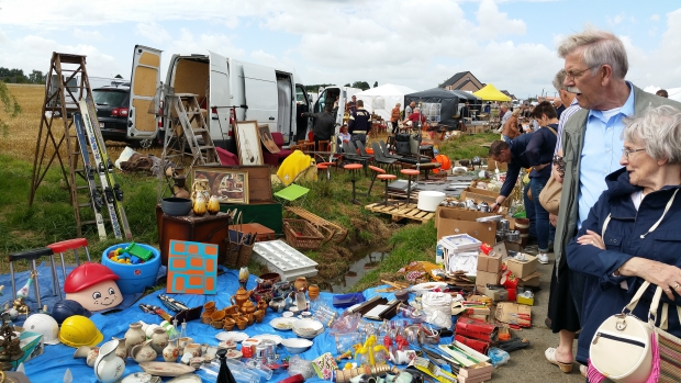 temploux-brocante-rommelmarkt-belgie-go-with-the-vlo