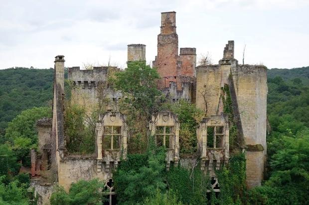 adopte-un-chateau-chateau-saint-vincent-le-paluel-go-with-the-vlo-2